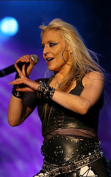 Německá rocková královna DORO PESCH se objeví s novou deskou v PRAZE!